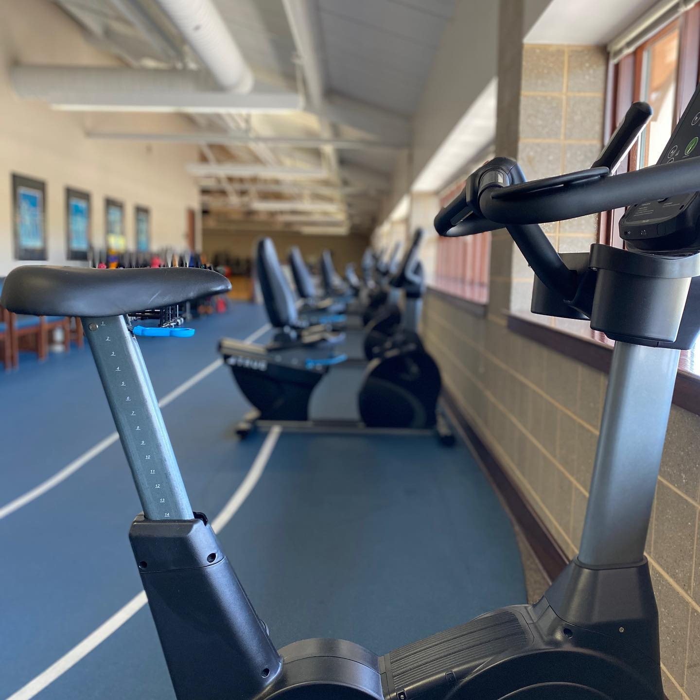 Image: cardio_equipment_spaced_15ft_2